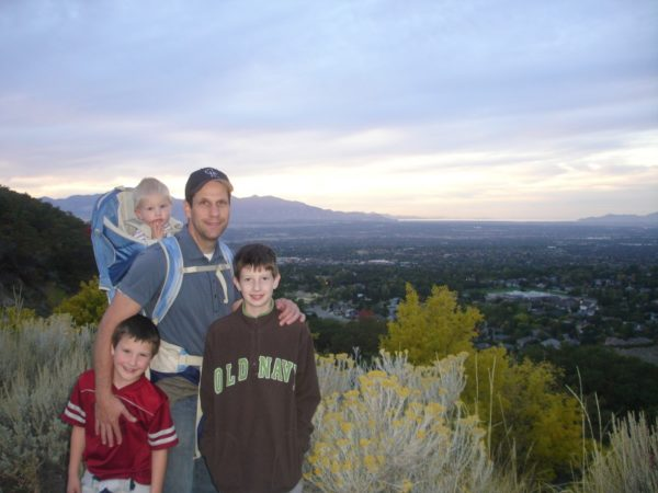 kev-and-the-kids-hiking-bells-canyon