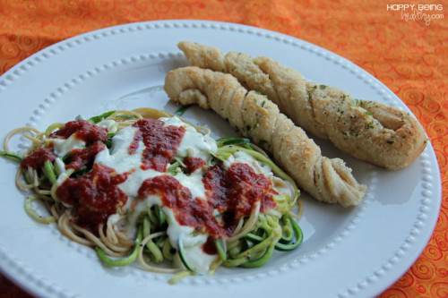 Zucchini Noodles, alfredo and breadsticks
